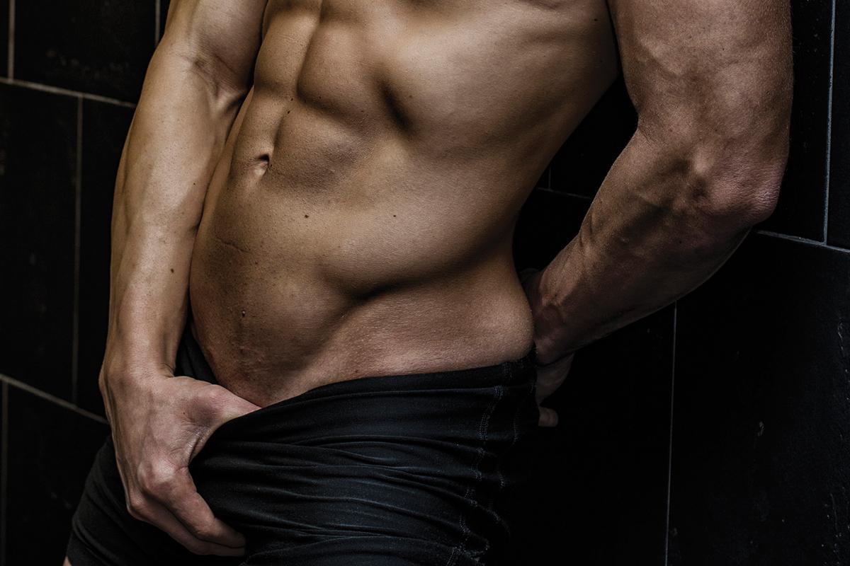 erekció a férfiaknál esik